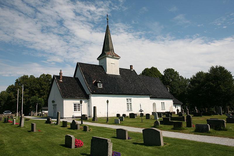 Idd kirke. Foto: Trond Strandsberg, Wikimedia Commons