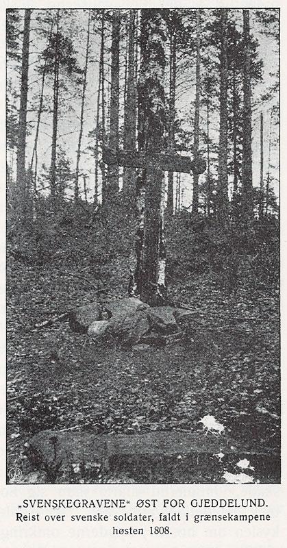 Det første korset som ble reist av Graff i 1914. Fra Olaf Forstrøm: Fredrikshald i 250 Aar (1915).