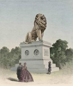 Løven og medaljongene var laget av Herman Wilhelm Bissen (1798 – 1868).  Løven med sokkel er 7, 20 m høy.