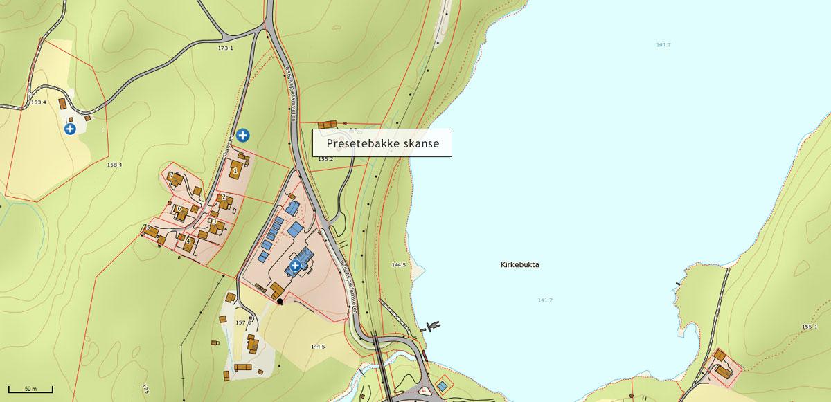 Kart over Prestebakke skanse. Skansen markert med blått merke rett nord for bebyggelsen og øst for veien Skansen. Norgeskart.