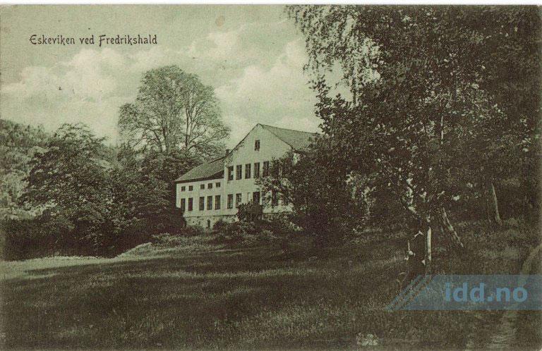 Eskeviken: Gammelt prospektkort av hovedbygningen som brant i 1914.  Bilde lånt fra idd.no